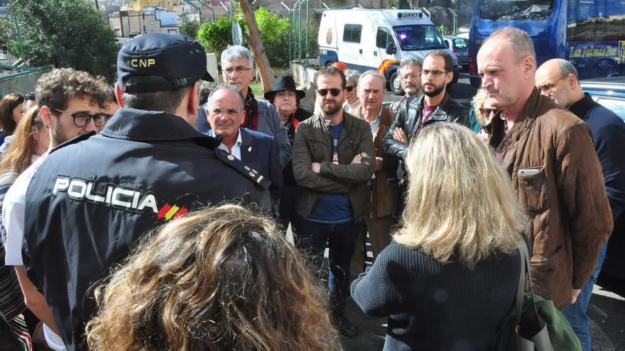 Interior impide a varias autoridades canarias acceder al CIE de Gran Canaria