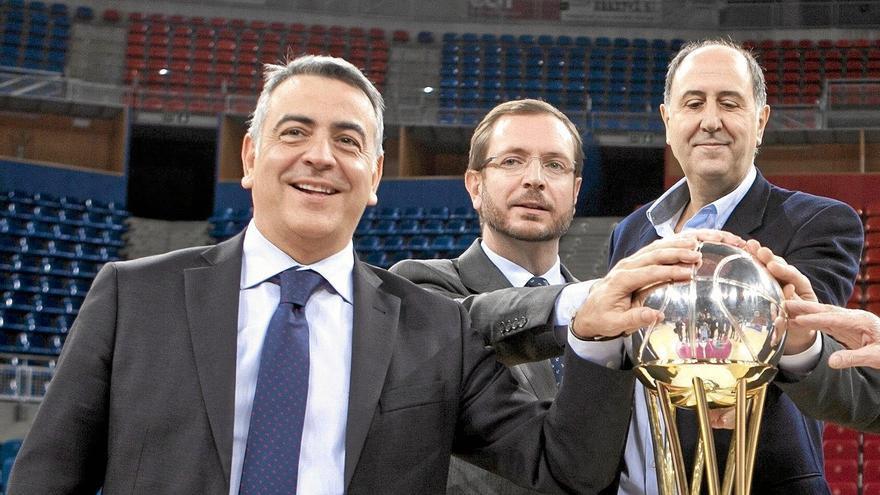 Javier de Andrés, Javier Maroto y Josean Querejeta, del Laboral Kutxa Baskonia