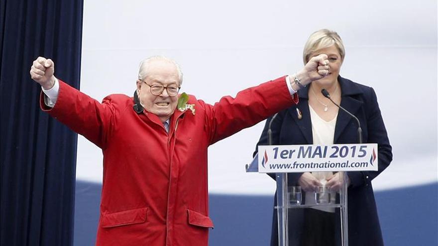 Jean-Marie Le Pen se desata en ataques contra su hija por su exclusión del FN