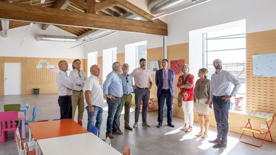 El Gobierno y el Ayuntamiento recuperan las antiguas escuelas de Igollo tras invertir 350.000 euros