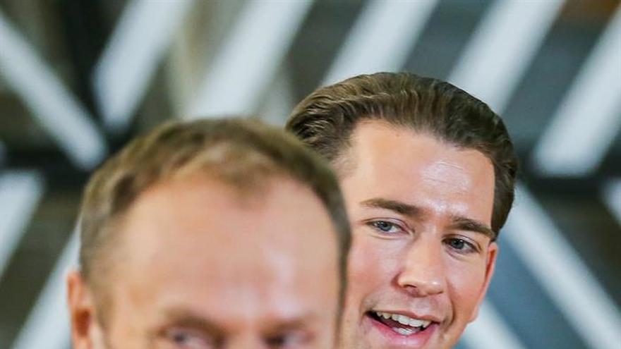 El nuevo canciller austríaco reafirma su compromiso con la UE ante Tusk
