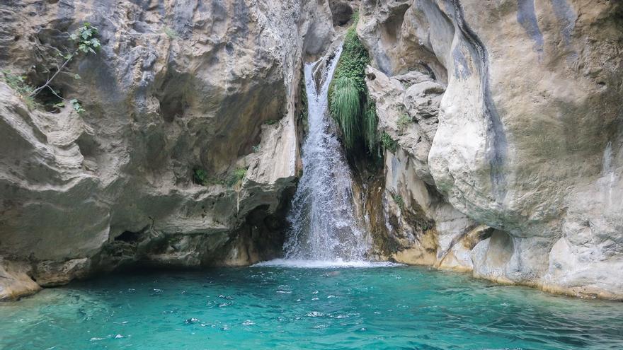 Cascada de la i griega, en Río Verde.