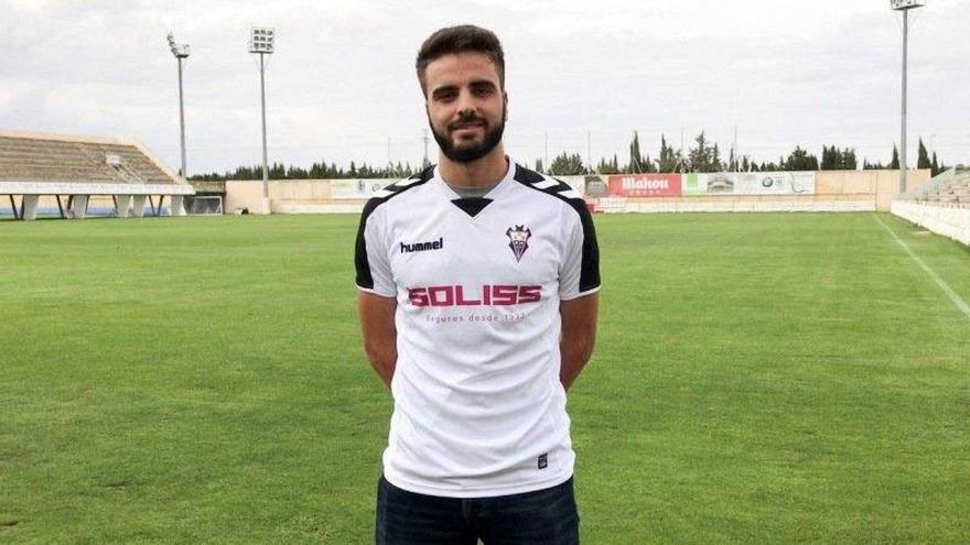 Pelayo Novo, jugador del Albacete. Imagen: @CandasCFoficial