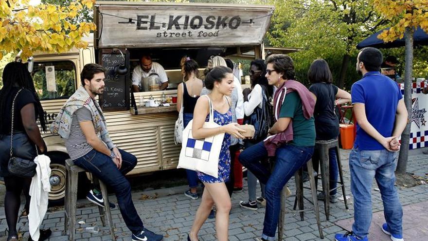 """Carmena salva MadrEAT, uno de los mejores mercados de """"streetfood"""" de Europa"""