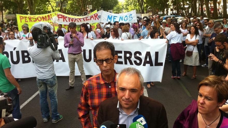 """La última Marea Blanca de la legislatura en Madrid reclama la reversión de """"los servicios privatizados"""""""