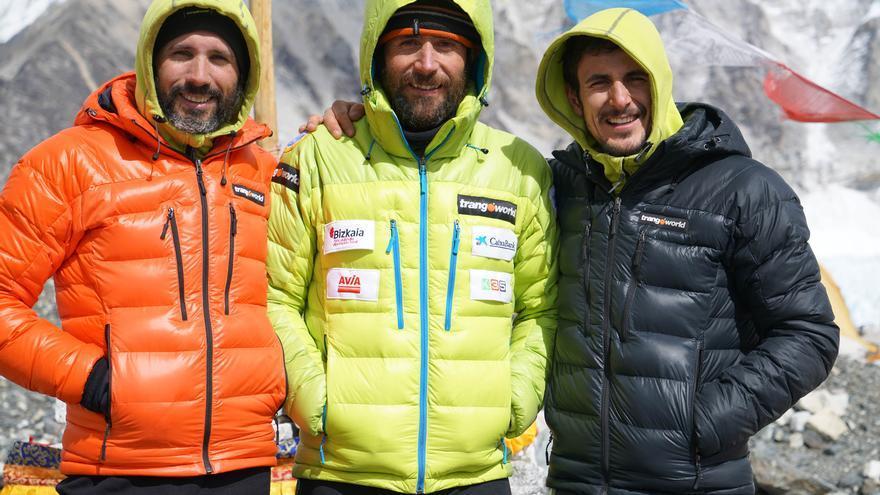 Aitor Barez, Alex Txikon y Pablo Magister.