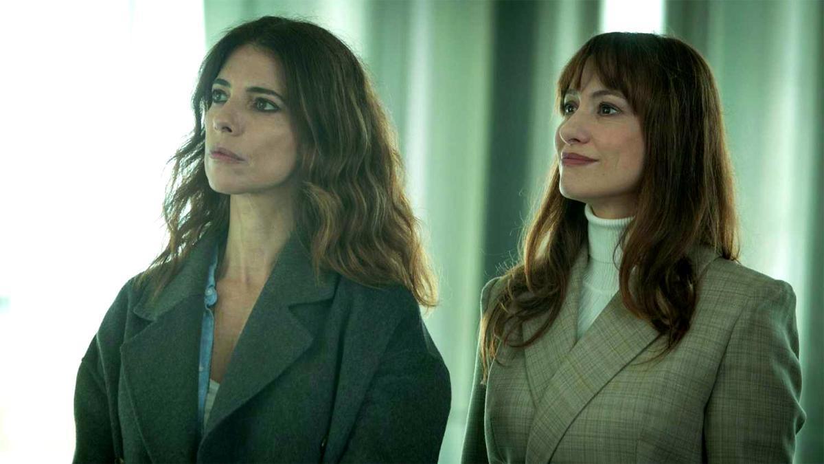 Maribel Verdú y Natalia Verbeke, en 'Ana Tramel. El juego'