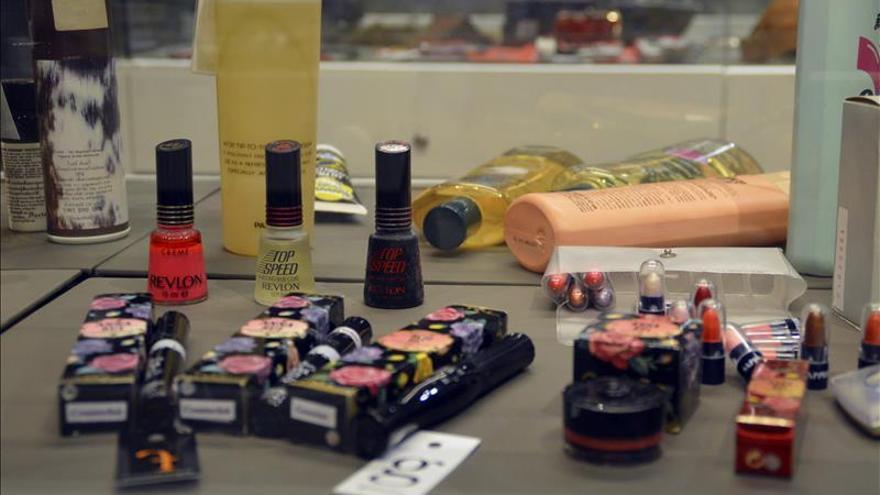 """Los cosméticos, los nuevos """"reyes"""" de los productos falsificados en Tailandia"""