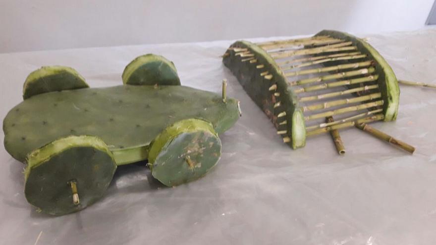 En la imagen, juguetes elaborados con tuneras.