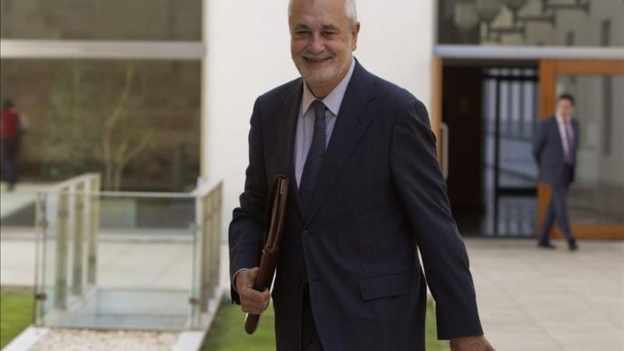 """Griñán afirma que si la UE duda del decreto de la vivienda, """"Europa no merece la pena"""""""