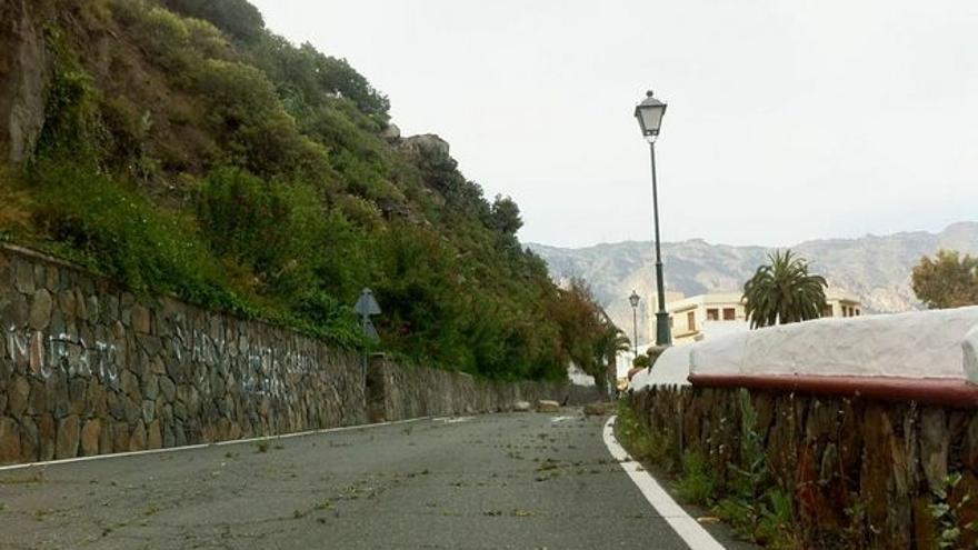 Imágenes del cierre de la carretera en Tunte.