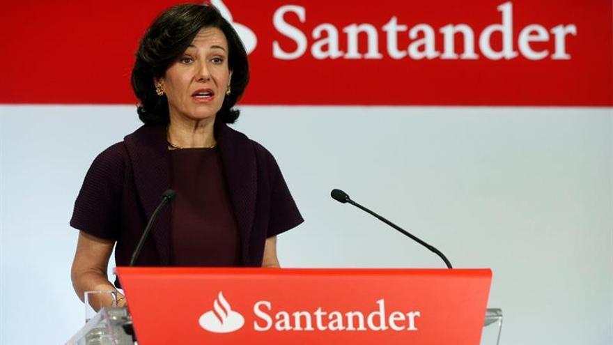 El Banco Santander ganó 1.633 millones de euros hasta marzo, el 4,9 % menos