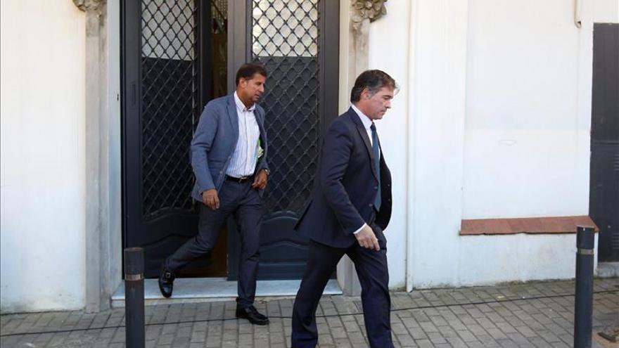 La mara a empresarial tras las operaciones millonarias de for Oficina de registro barcelona