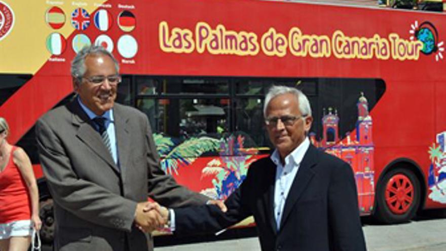 Ramón Suárez y Pablo Barbero, concejales de turismo de San Bartolomé de Tirajana y Las Palmas de Gran Canaria. (AYUNTAMIENTO LPGC)