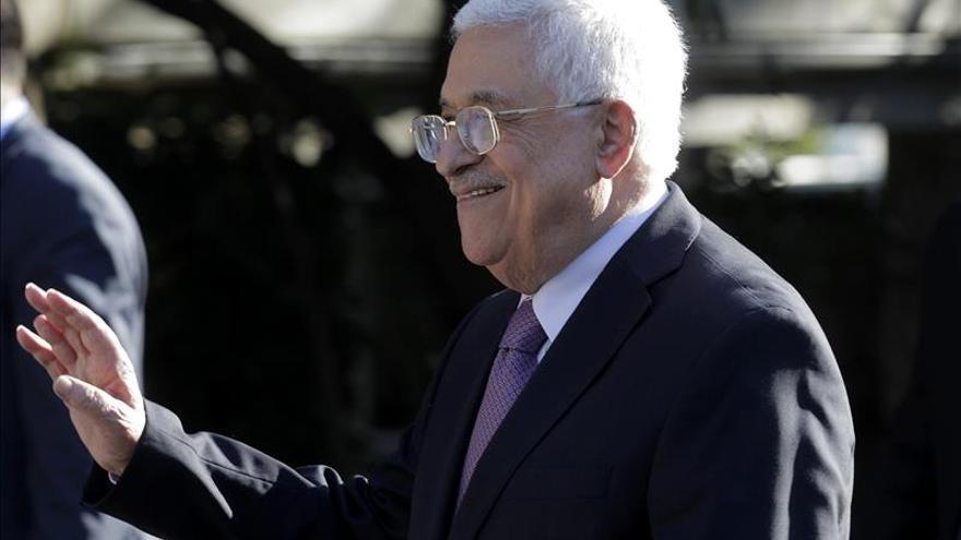 Abás dice que si Israel deja ocupación, su bandera ondeará en mundo islámico