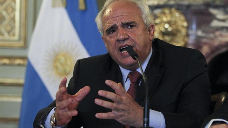 Samper y expresidentes mediadores de diálogo se reúnen con el Gobierno de Venezuela