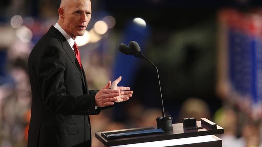 """El gobernador de Florida pide a Castro que permita una """"nueva era de libertad"""""""