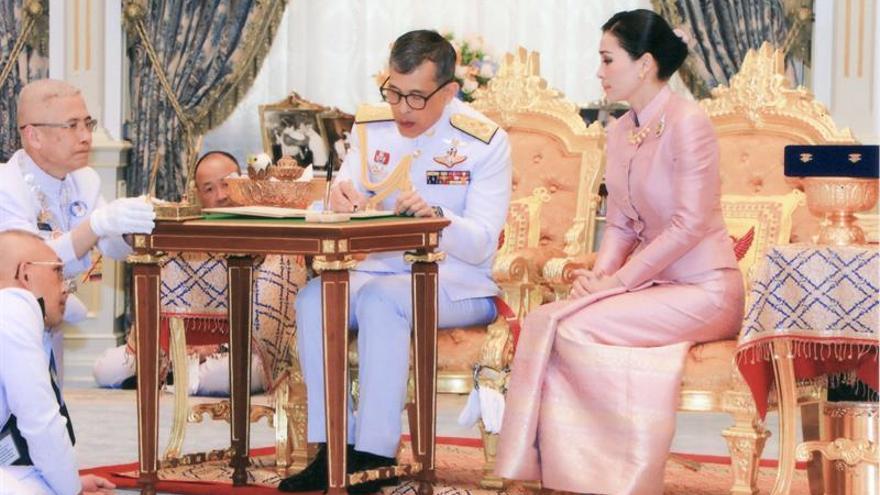 Tailandia amanece con una nueva reina