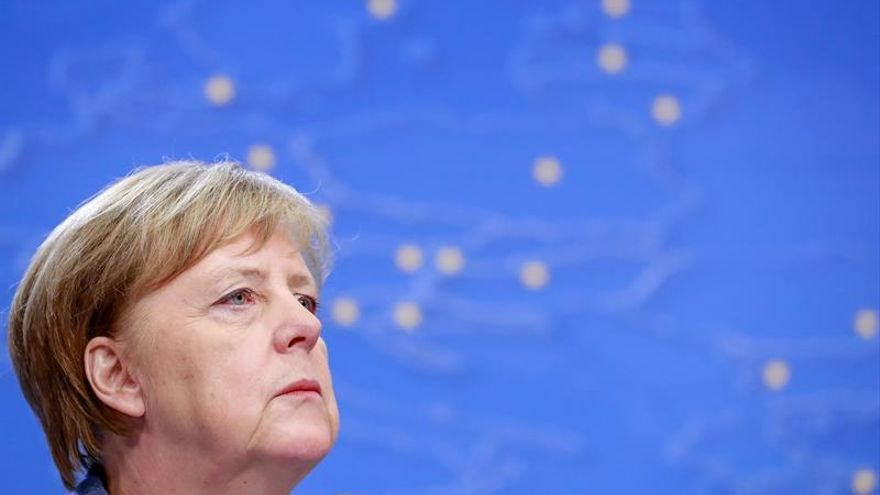 """Merkel advierte de la """"presión"""" en contra de la cooperación internacional"""