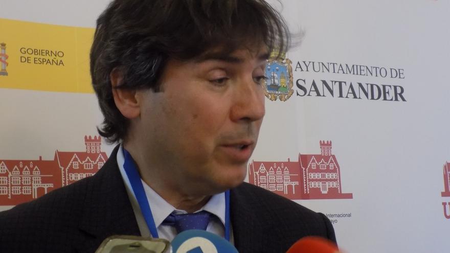 """González alerta del """"freno inmediato"""" que ya supone el 'Brexit' para el Puerto de Santander"""
