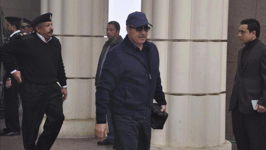 Absuelven al ministro del Interior de Mubarak en un caso de corrupción