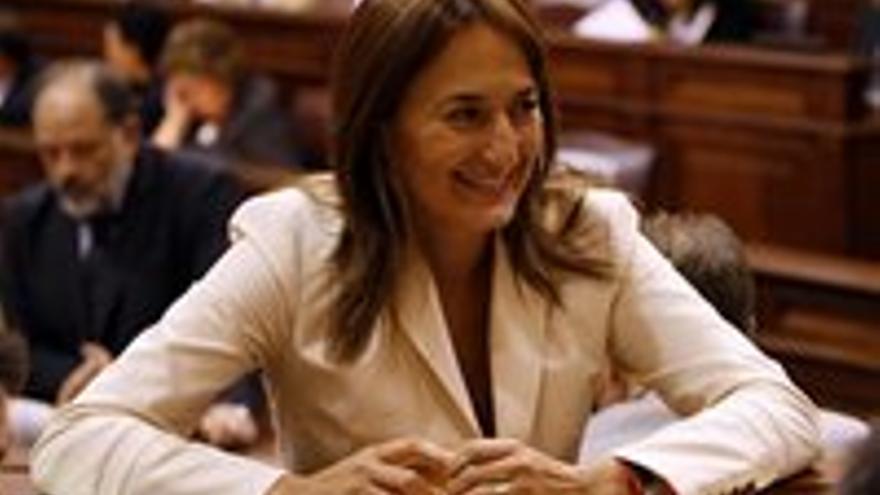 Águeda Montelongo, que además de consejera del Cabildo es parlamentaria regional.