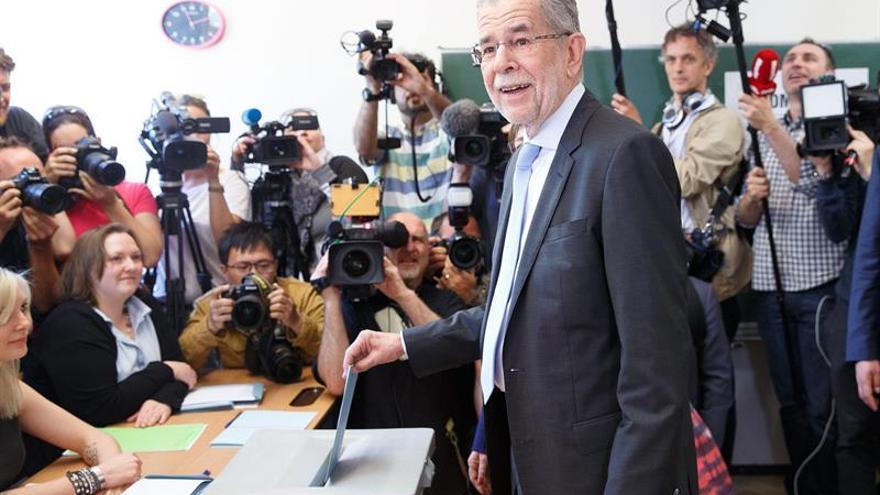 El Constitucional austriaco ordena repetir las elecciones presidenciales por irregularidades