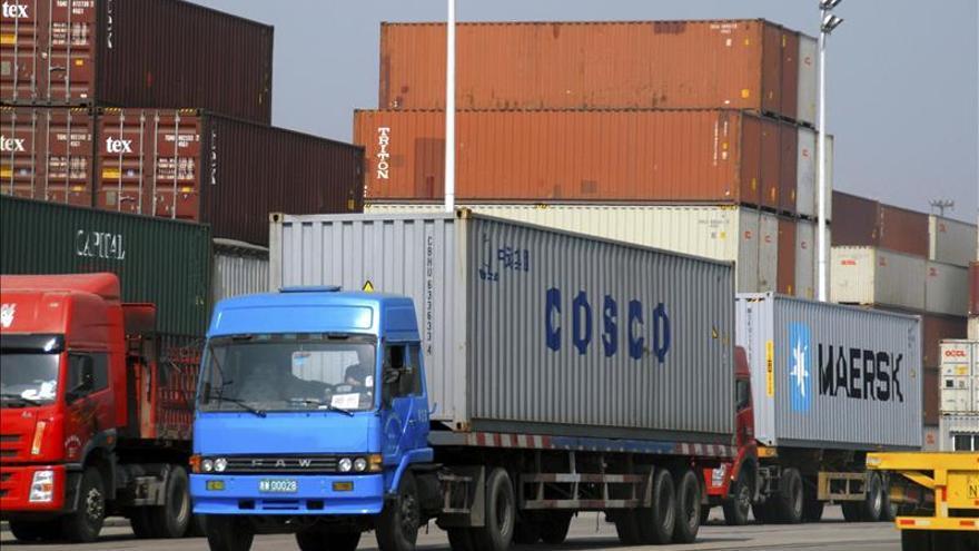 Las exportaciones chinas se disparan ante el escepticismo sobre los datos