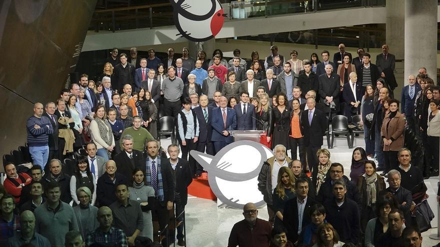 """La Diputación foral de Bizkaia invita a representantes de todos los ámbitos sociales a que den """"alas"""" al euskera"""