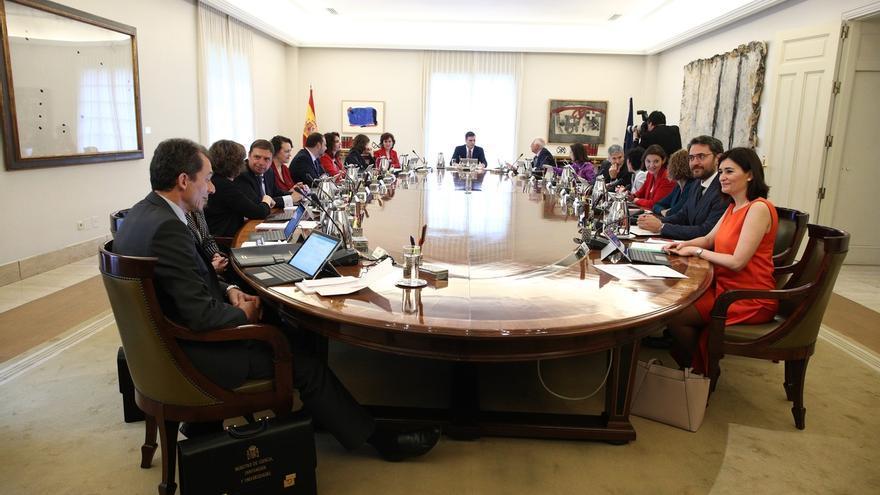 El diplomático José Manuel Albares y el economista Manuel de la Rocha se perfilan como colaboradores de Sánchez