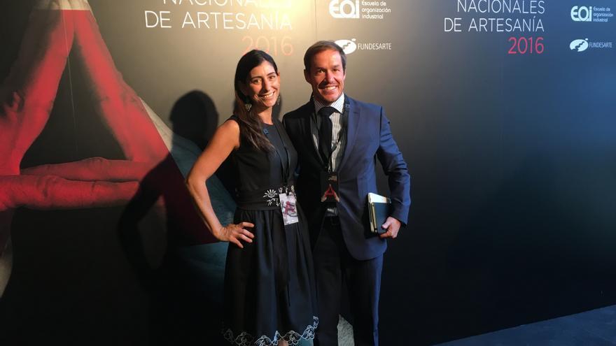 Martina González y Mariano Hernández en los Premios Nacionales de Artesanía.
