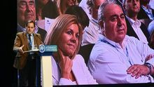 María Dolores de Cospedal escucha al nuevo presidente del PP de Castilla-La Mancha, Paco Núñez