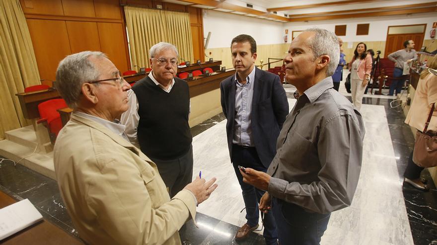 Vilches, Aumente, Serrano y Blázquez, antes del Pleno | MADERO CUBERO