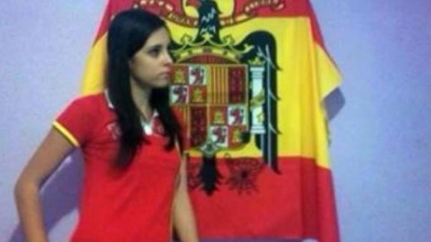 Melissa Ferrer bandera franquista