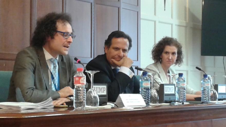 """Lázaro (CEOE) pide un modelo administrativo aplicado a nuevas tecnologías """"que salga del día a día"""" político"""