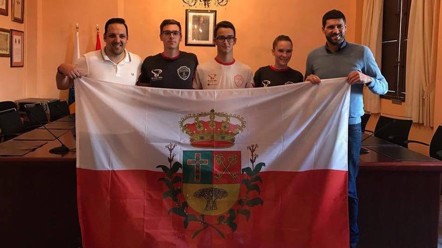 En la imagen, recepción a los atletas en el Ayuntamiento de Breña Alta.