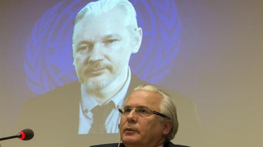 Garzón denuncia que Reino Unido no aplica una norma que favorece a Assange