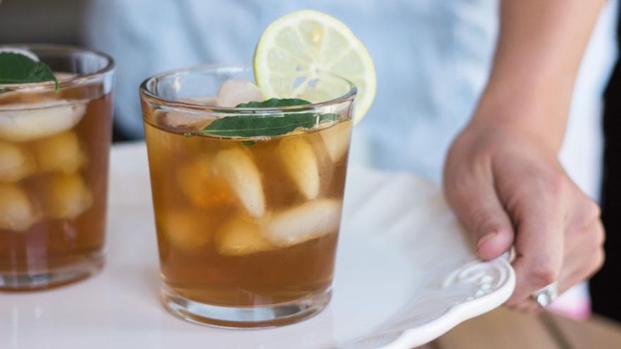b40e7a60787a Bebidas cuando hace mucho calor: ¿mejor frías o calientes?