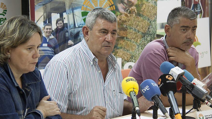 El secretario general de la Unión de Pequeños Agricultores y Ganaderos (UPA), Lorenzo Ramos, en la rueda de prensa ofrecida este jueves.