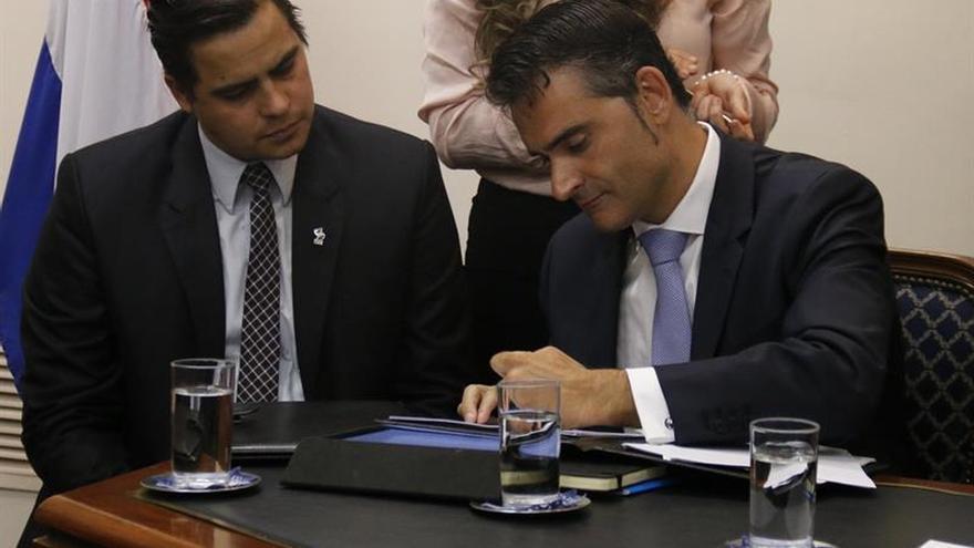 Cien maestros paraguayos estudiarán un postgrado en España con acuerdo de becas