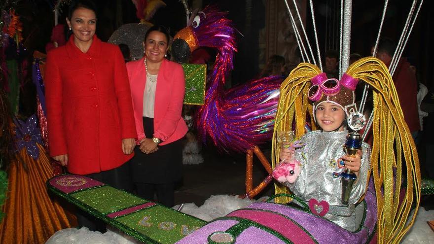 Imagen de archivo de la reina infantil del Carnaval de Llanos 2014.
