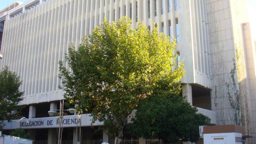 Fachada de la sede de la Delegación de la Agencia Tributaria en Córdoba.