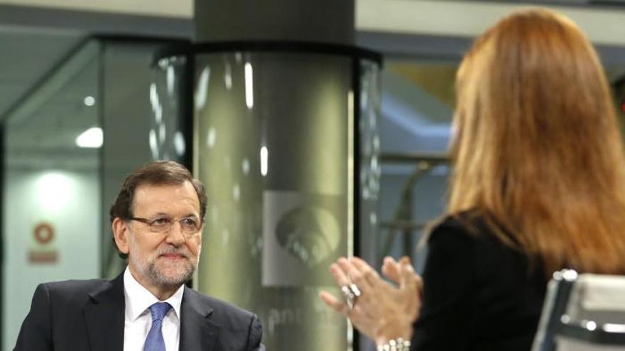 Rajoy, seguro de la inocencia de la infanta, no cree que deba renunciar a sus derechos