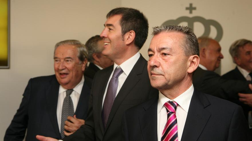 Saavedra, Clavijo y Rivero en la toma de posesión de Clavijo (ALEJANDRO RAMOS)
