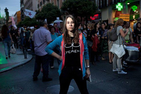 Lara Alcázar, líder de FEMEN España   Foto: Chris Hartung