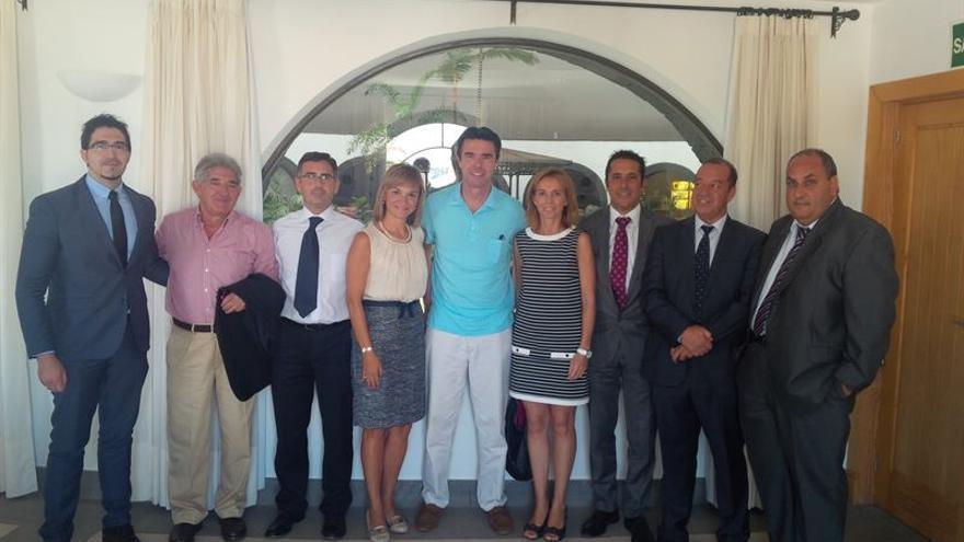 Reunión del ministro de Industria, Energía y Comercio, José Manuel Soria, con la patronal turística de Lanzarote. Europa Press.