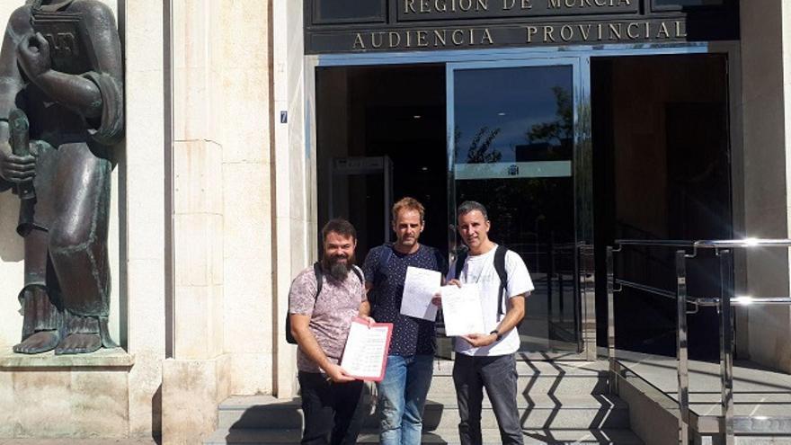 John David Babyack (IU), Javier Sánchez Serna (Podemos) y Antonio Urbina presentando las candidaturas al Congreso y al Senado de Unidas Podemos para el 10N