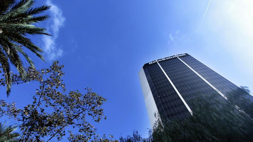 La dirección del Sabadell/CAM planea eliminar 1.773 empleos
