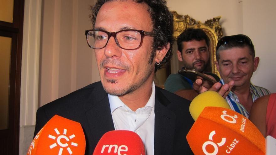 """El alcalde antepone """"otras urgencias"""" al debate sobre el nombre del Teatro Pemán o del """"Nazareno sí o no"""""""