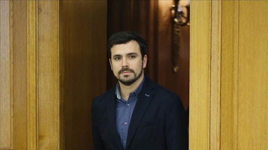 Garzón acusa a Podemos de vetar que IU tenga grupo parlamentario con Compromís